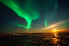 Northern Lights vs Moonlight