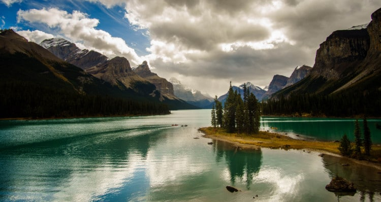 Maligne Lake - Spirit Island View