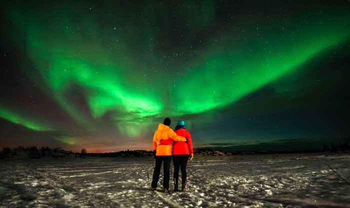 Zentravellers viewing the northern lights in canada