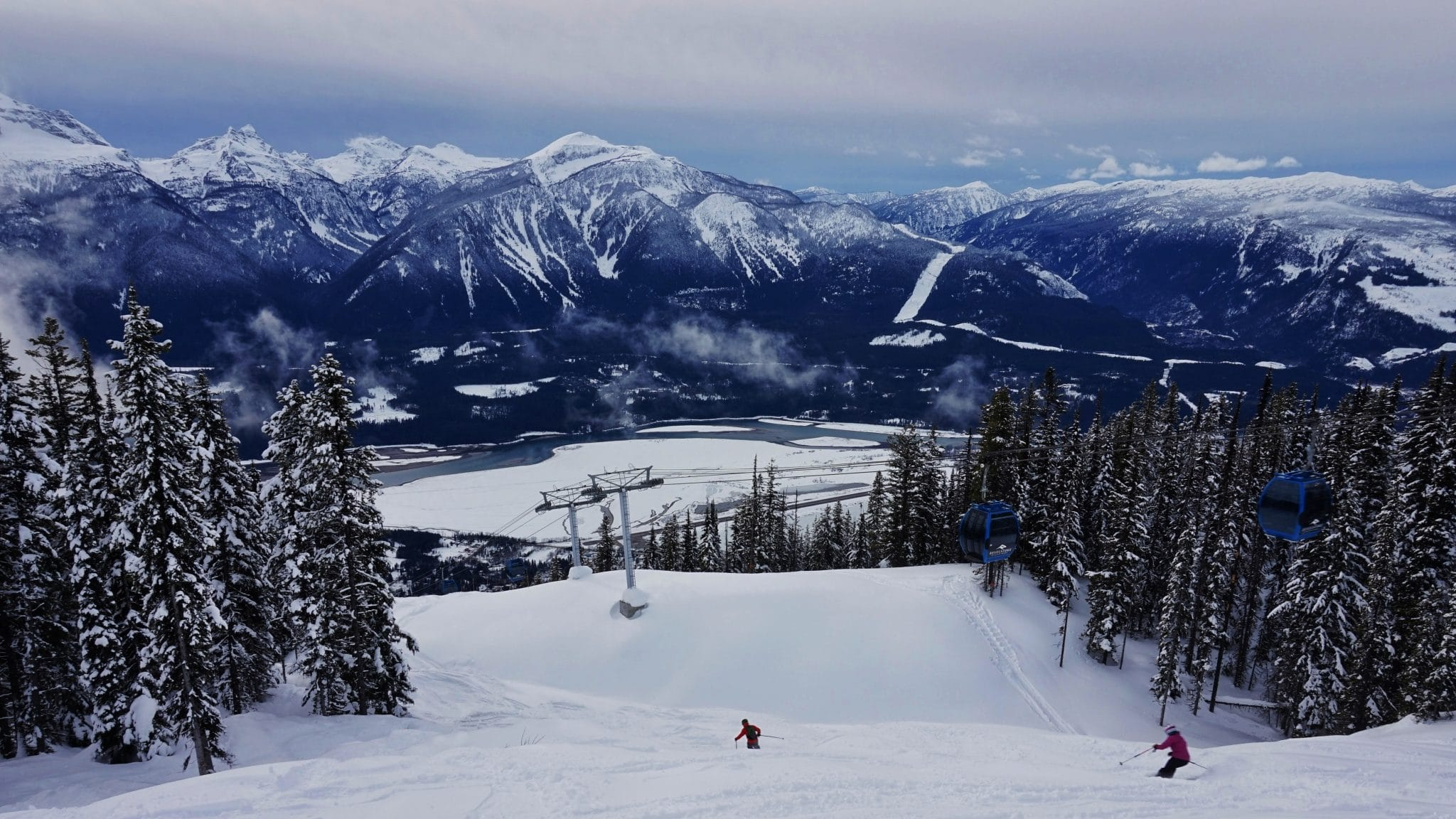 Fresh tracks at Revelstoke Mountain Resort