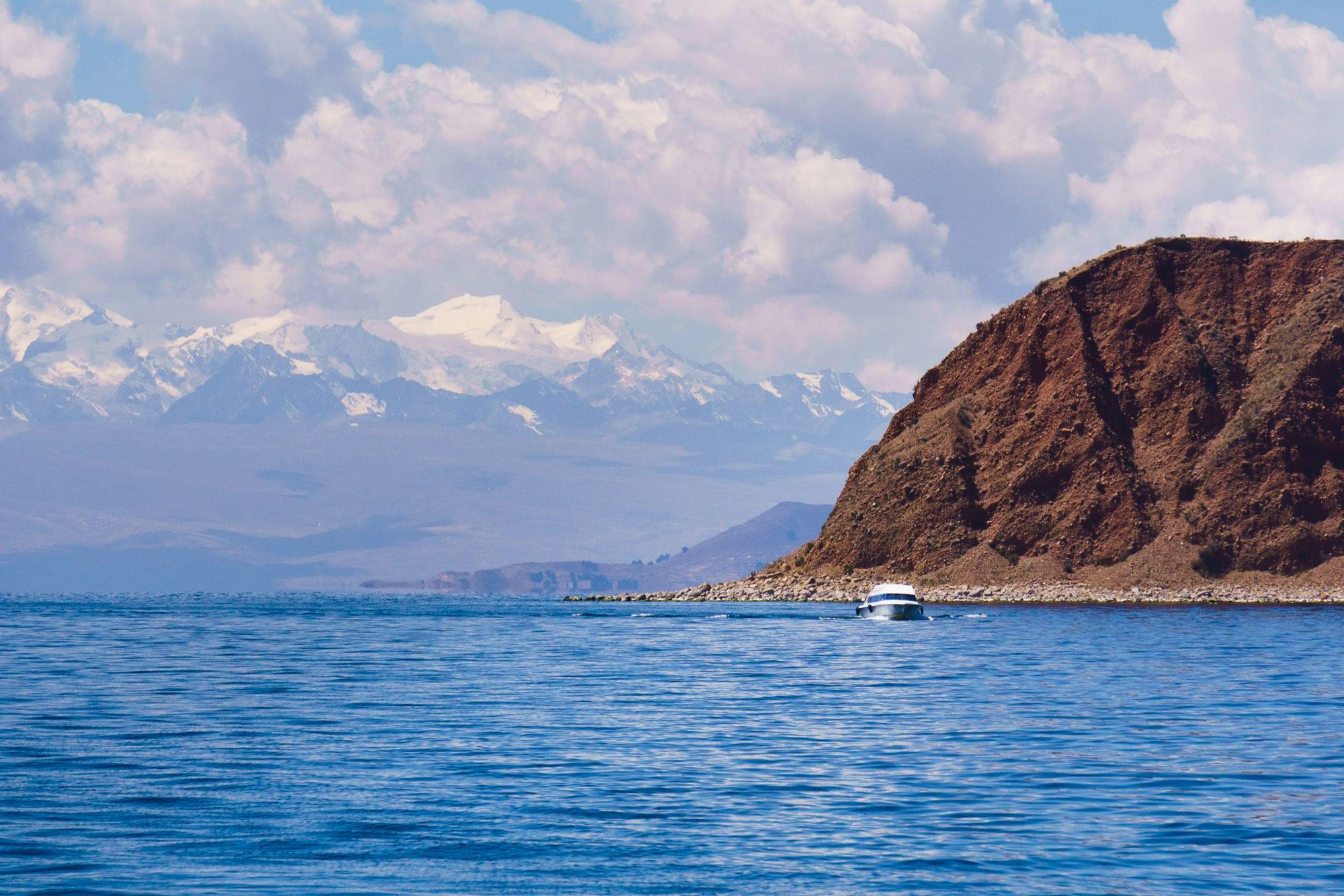 Boat from Isla de la Luna